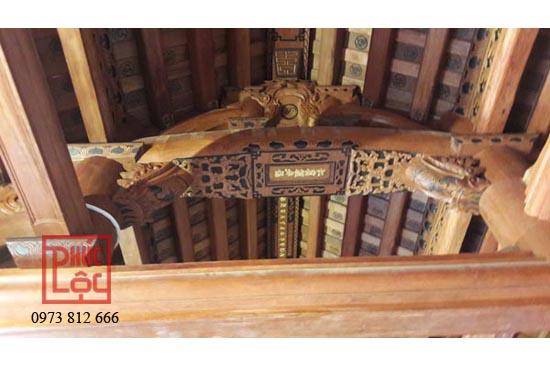 Câu đầu nhà gỗ cổ truyền lắp dựng vì kèo